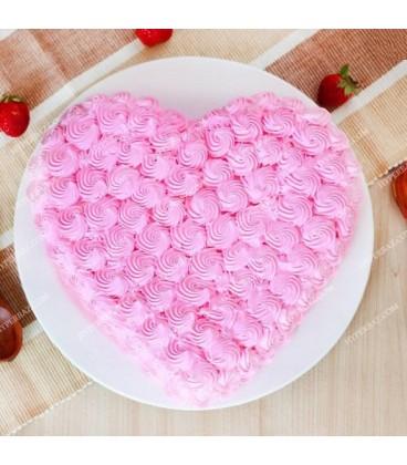 کیک توت فرنگی طرح قلب