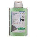 شامپو برای موهای چرب جهت کاهش چربی فولیکا